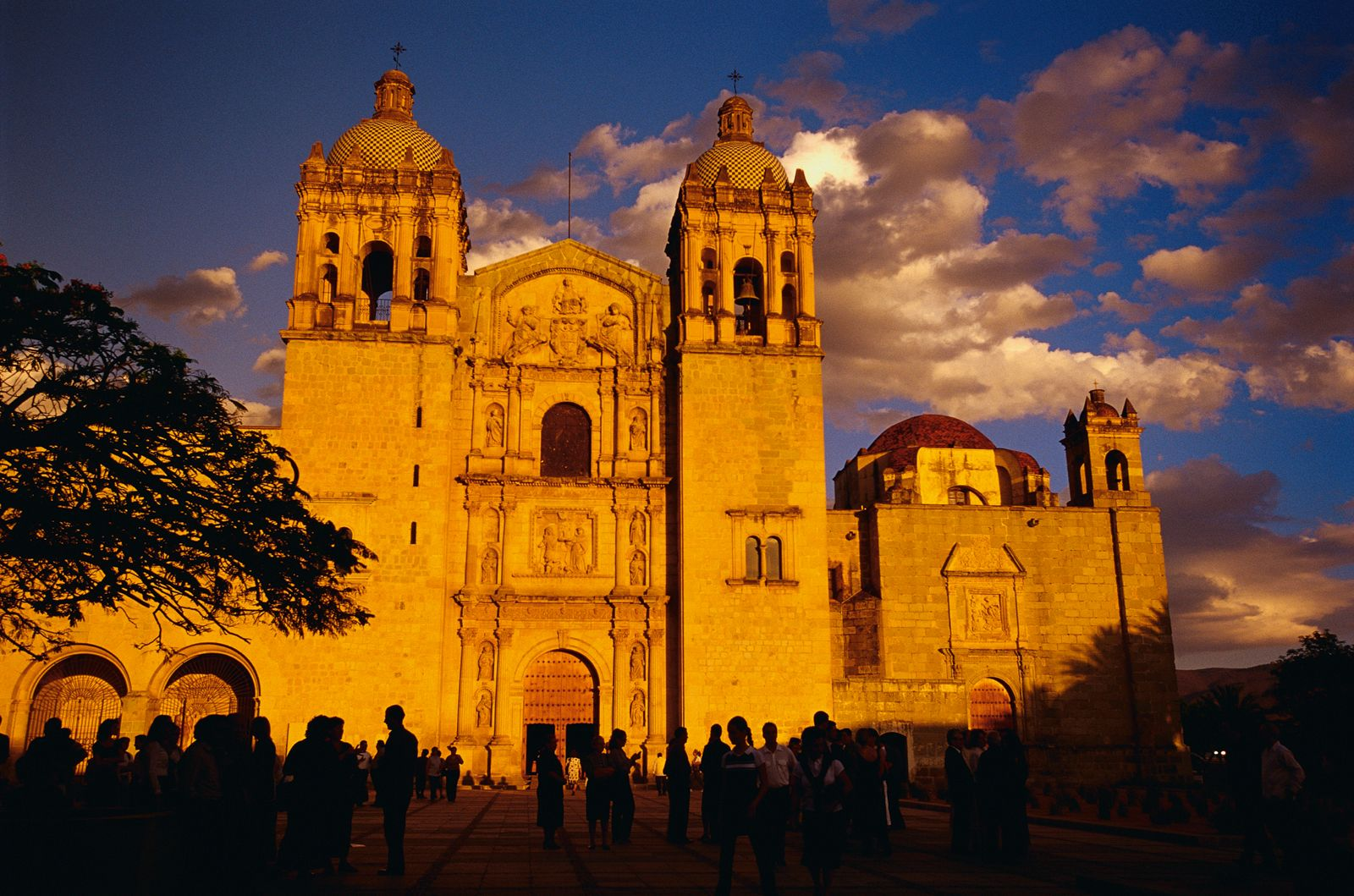 Oaxaca, Mexico. Church of Santo Domingo. Photo: Bob Krist/Corbis.